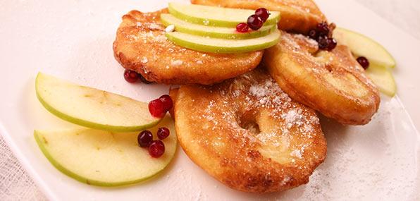 свежие и печеные яблоки
