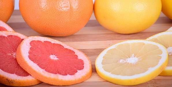 белый и красный грейпфрут