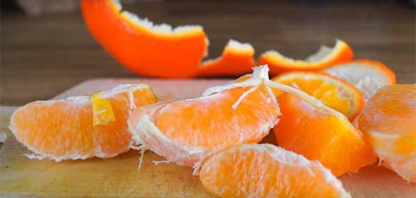 Очищенные дольки апельсина